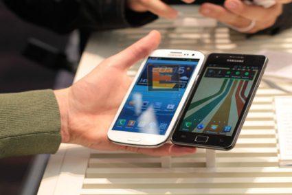 سامسونگ و اپل دو رقیب سرسخت در بازار موبایل امریکا